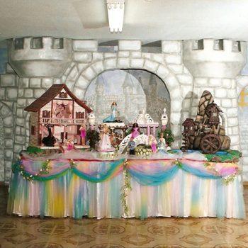 Peças em Fibra de Vidro, Madeira e EPS para Buffets Infantis e Cenários Fotográficos